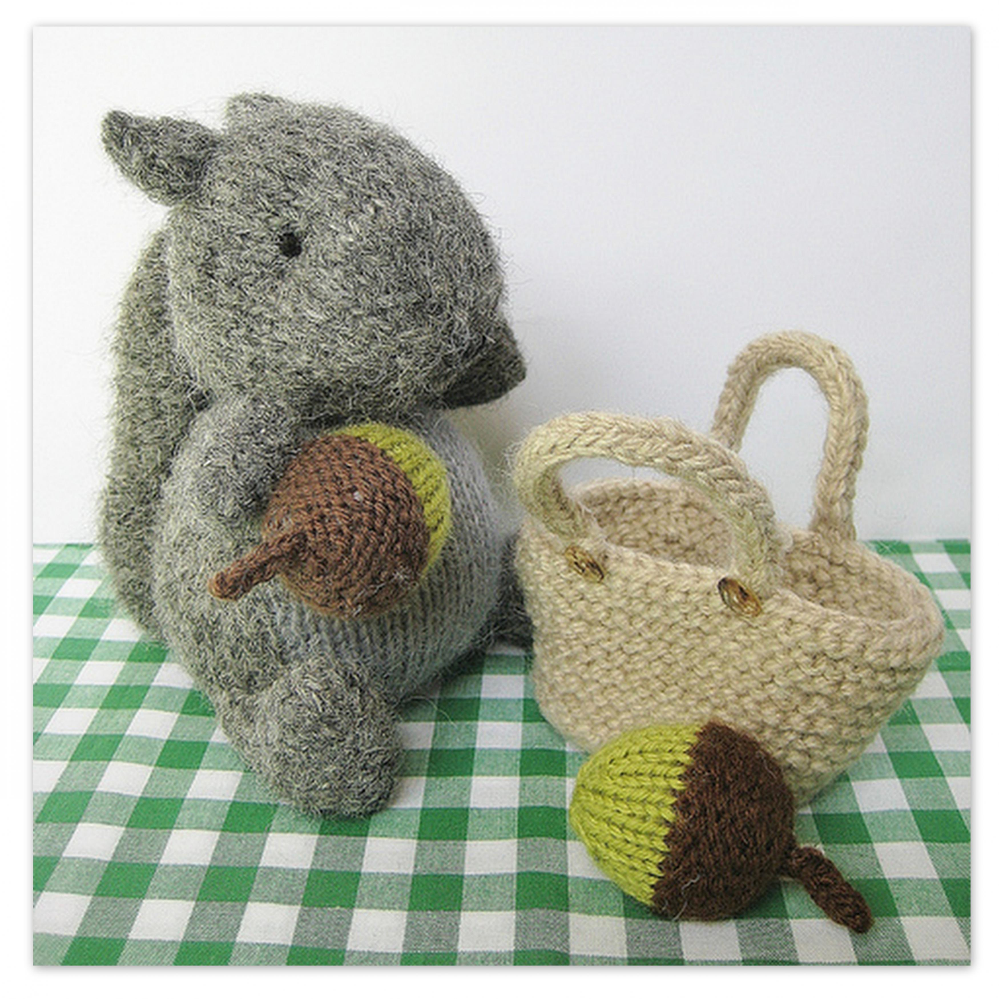 Finsbury Squirrel Toy Knitting Pattern on Luulla